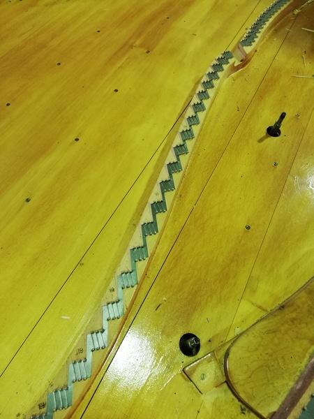 響板修理前 1.jpg